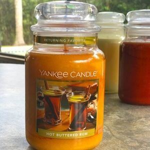 Yankee Candle Hot Buttered Rum 22 oz. Jar, New